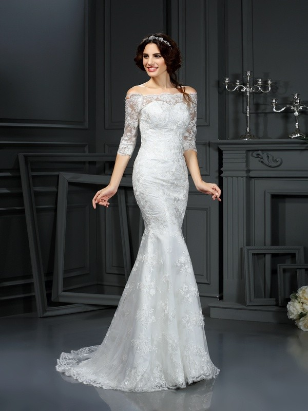 Half Sleeves Abiti senza spalline Brush Train Avorio Abiti da Sposa with Pizzo