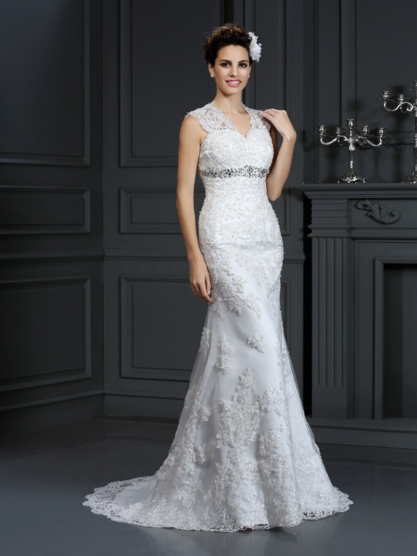 Tubino Pizzo Scollatura a V Brush Train Abiti da Sposa with Perline