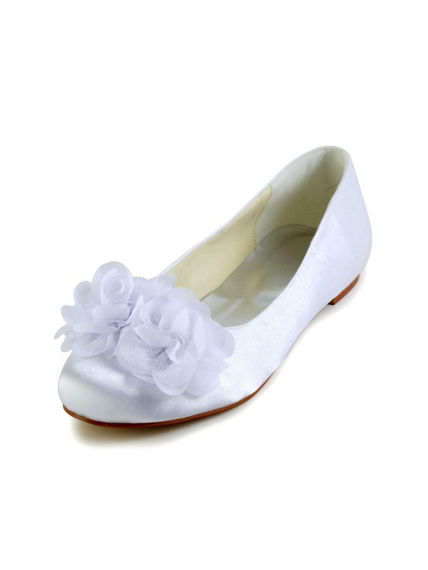 Raso Flat Heel Closed Toe Flats Bianco Wedding Shoes With Raso Flower